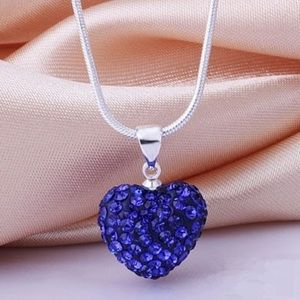 Jewelry - 💙 Stunning Heart love pendant necklace chain.